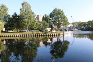 Hafen Steglitz vom Ufer des Teltowkanals