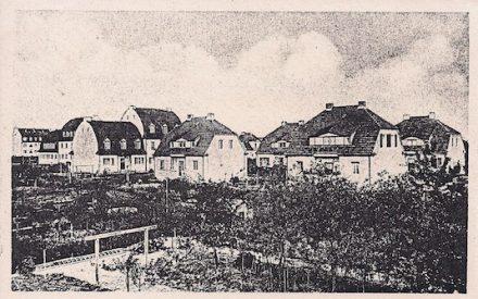 Die Häuser 32b bis f in der Zietenstraße vom Garten aus