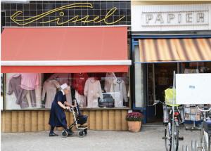 prägnante Straßenecke am Kranoldplatz - Textilgeschäft Sittel, seit 1952 ©Philipp Bernstorf