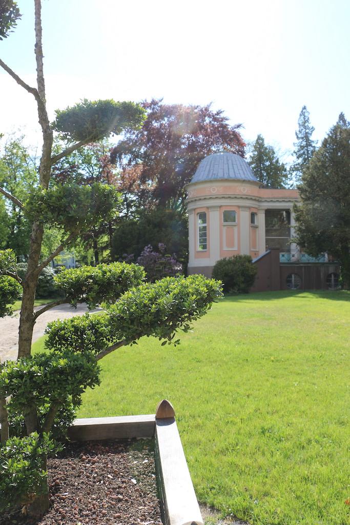 Siemensvilla_Corrensvilla Parkseite Pavillon links