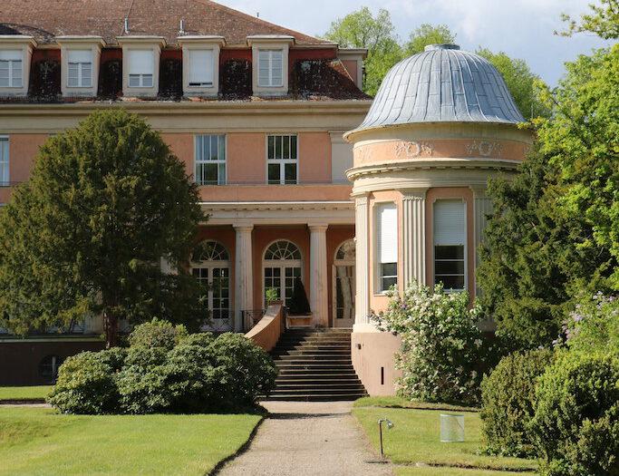 Siemensvilla_Corrensvilla Parkseite mit Pavillon